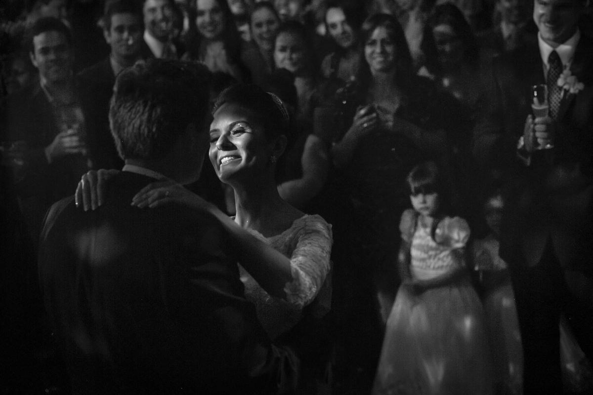Dicas de fotografia de casamento - Moving Lights - Entregando o Ouro